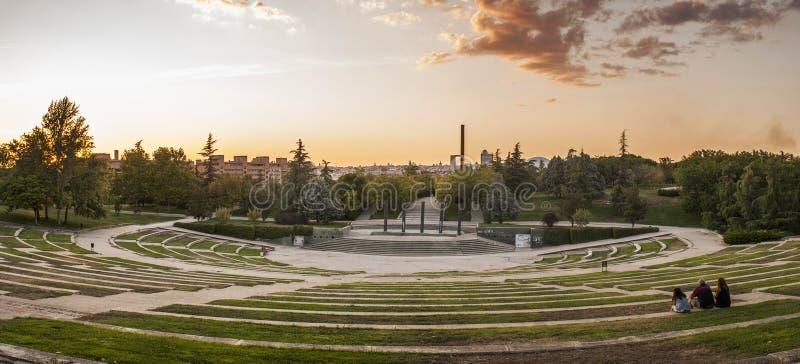 Por do sol em Madrid foto de stock royalty free