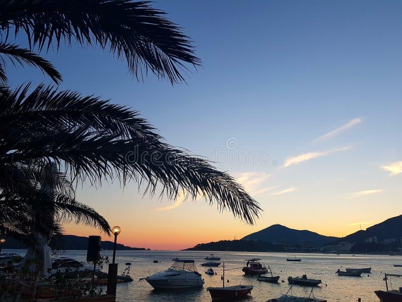 Por do sol em Montenegro fotografia de stock