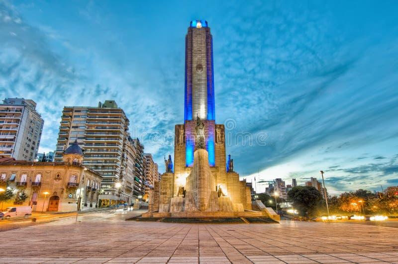 Por do sol em Monumento um la Bandera em Rosario foto de stock royalty free
