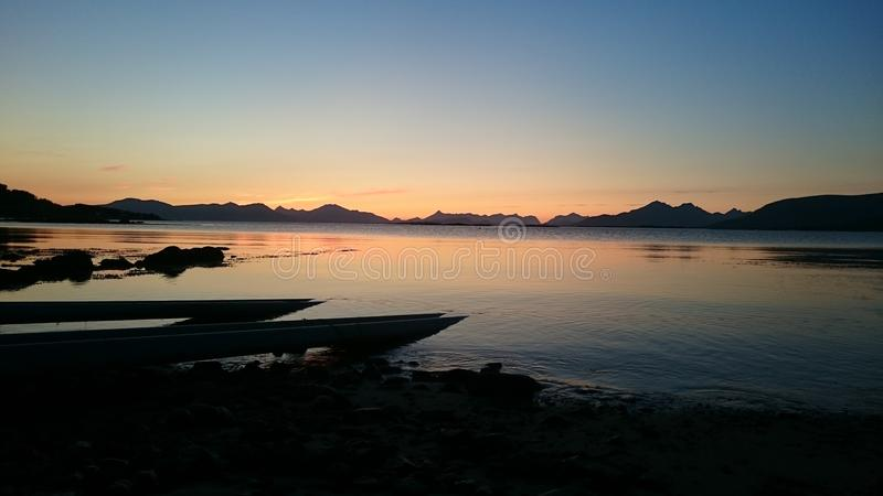 Por do sol em Noruega fotografia de stock royalty free