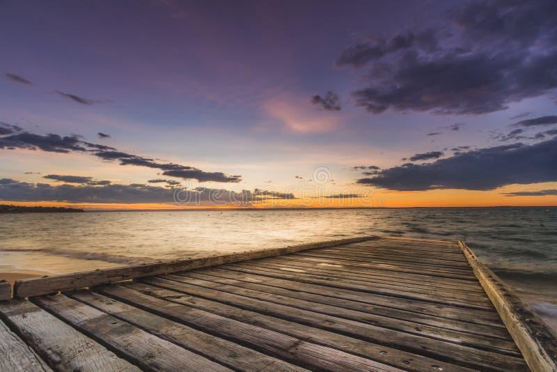 Por do sol em Phillip Island foto de stock