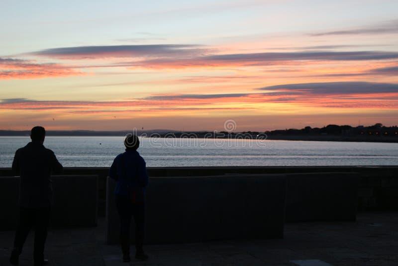 Por do sol em Portsmouth Reino Unido foto de stock