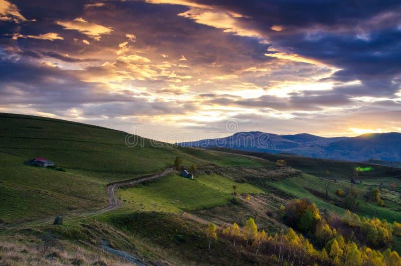 Por do sol em Romênia foto de stock royalty free