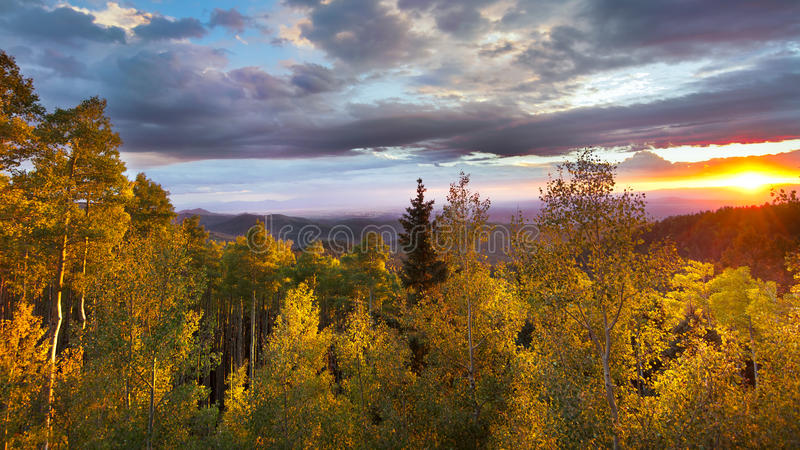 Por do sol em Santa Fe Ski Basin fotografia de stock royalty free