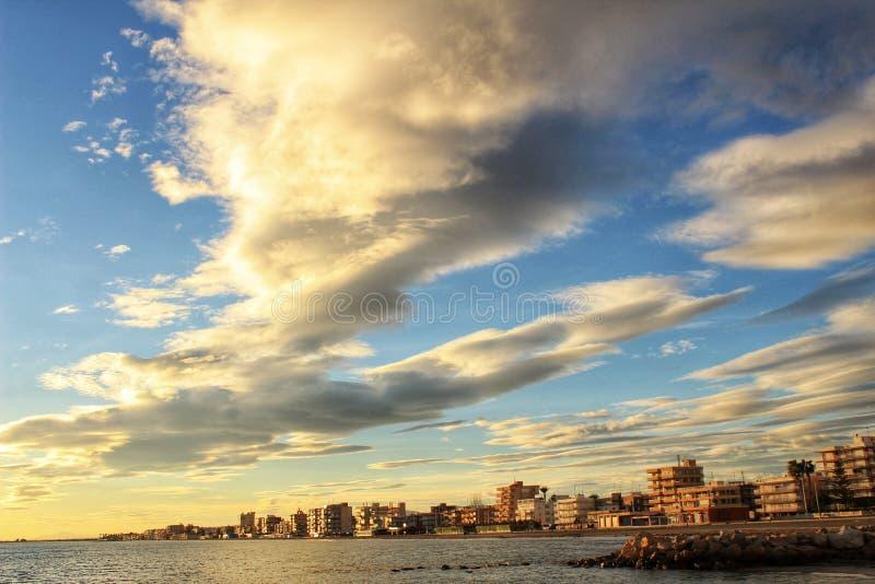 Por do sol em Santa Pola imagem de stock