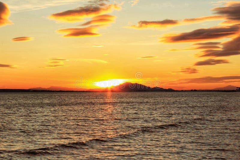 Por do sol em Santa Pola fotografia de stock royalty free