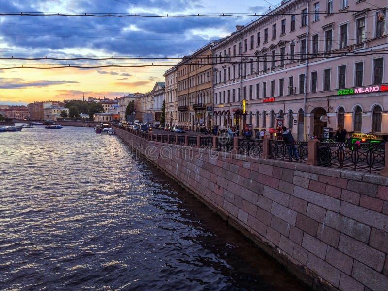 Por do sol em St Petersburg fotografia de stock