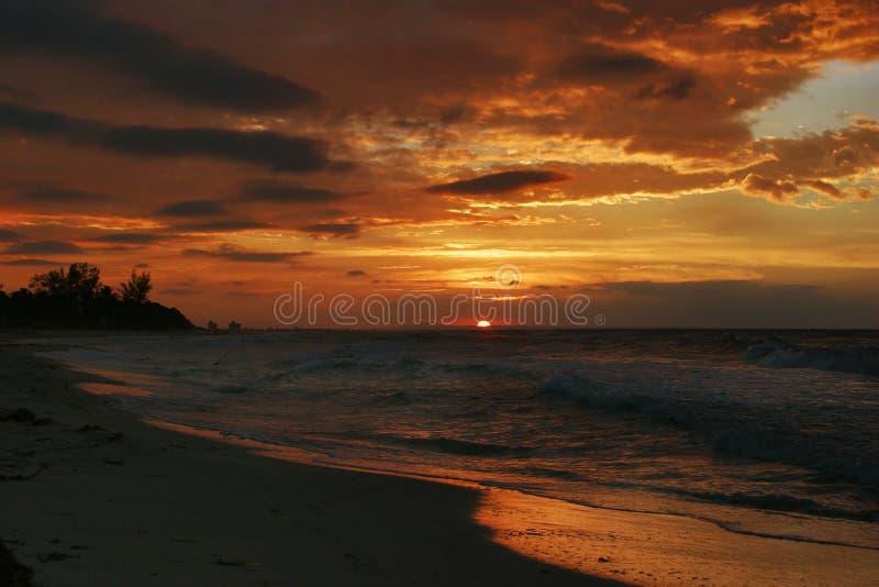 Por do sol em Varadero foto de stock royalty free