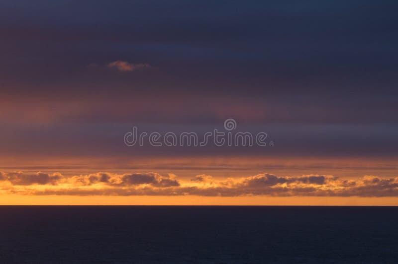 por do sol, Golfo da Biscaia, Oceano Atlântico foto de stock royalty free