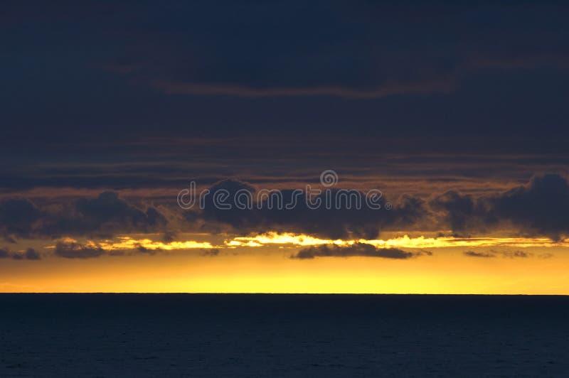 por do sol, Golfo da Biscaia, Oceano Atlântico imagens de stock royalty free