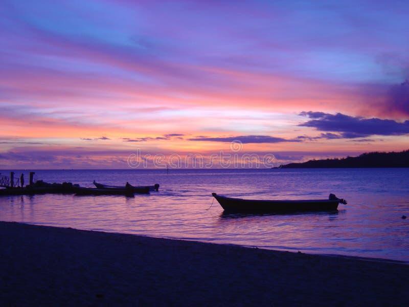 Por do sol impressionante do Fijian fotografia de stock