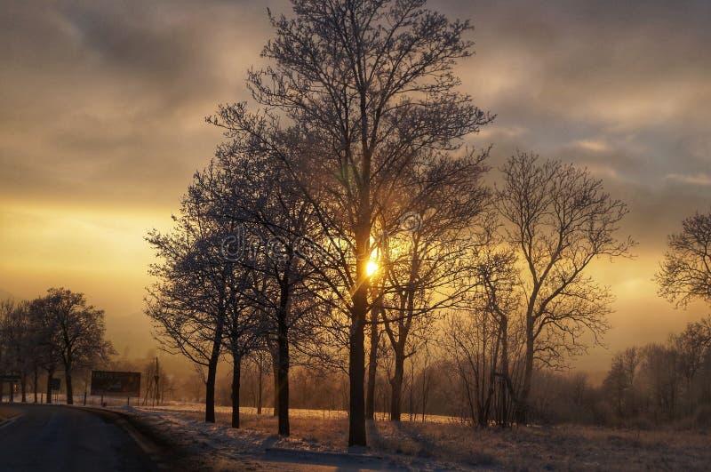 Por do sol do inverno no ra do ³ de Jelenia GÃ imagem de stock royalty free