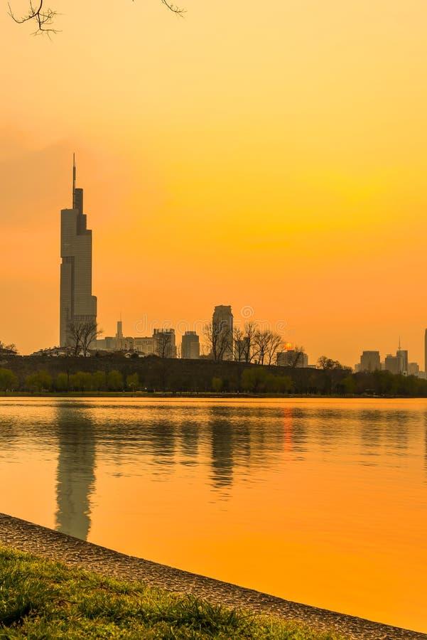 Por do sol do lago Xuanwu imagens de stock royalty free