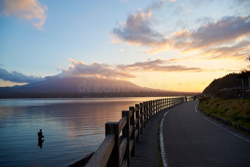 Por do sol do lago Yamanako, JAPAN/Yamanako fotos de stock