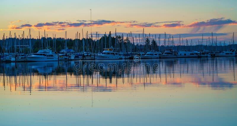 Por do sol do leste Olympia Washington da baía foto de stock royalty free