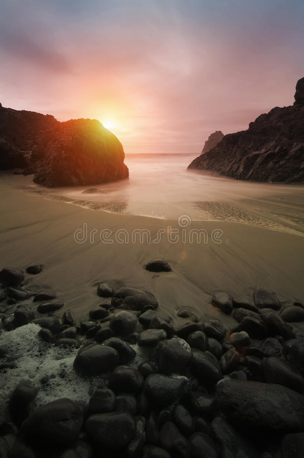 Por do sol litoral bonito fotografia de stock royalty free