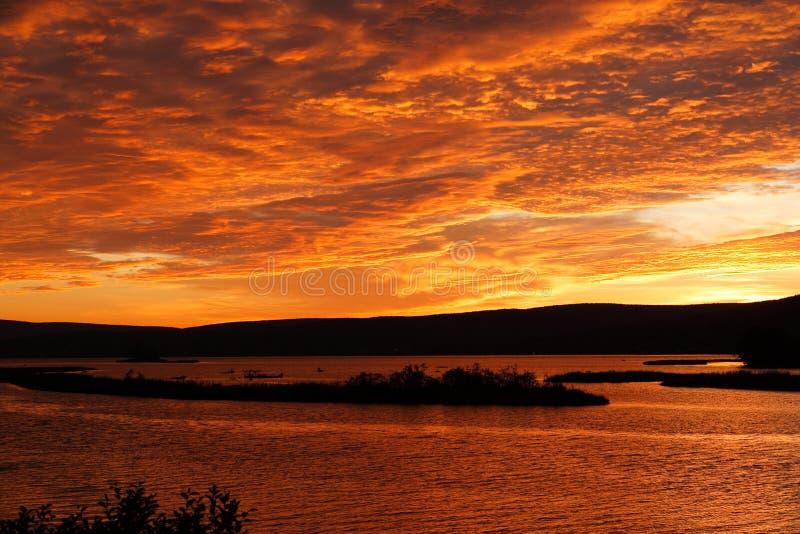 Por do sol majestoso em Canadá fotos de stock