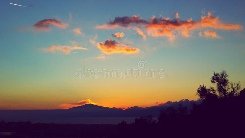 Por do sol maravilhoso Italia Etna imagem de stock
