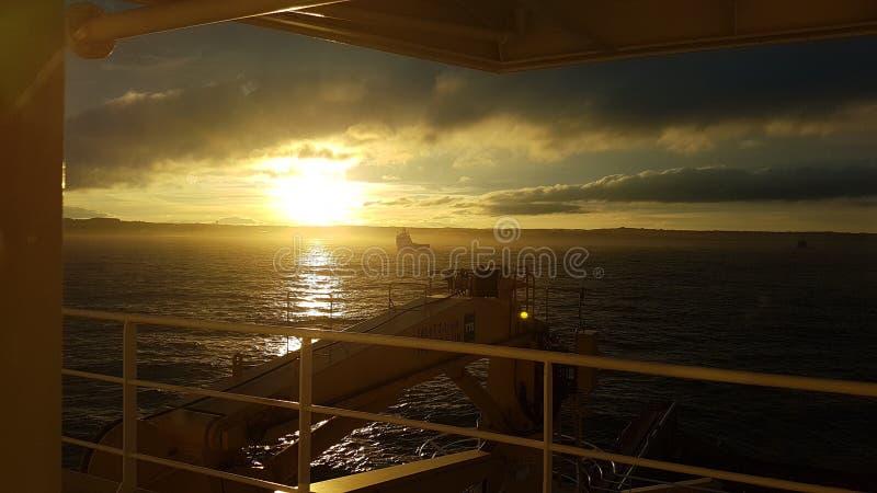 Por do sol misterioso sobre Escócia fotografia de stock royalty free