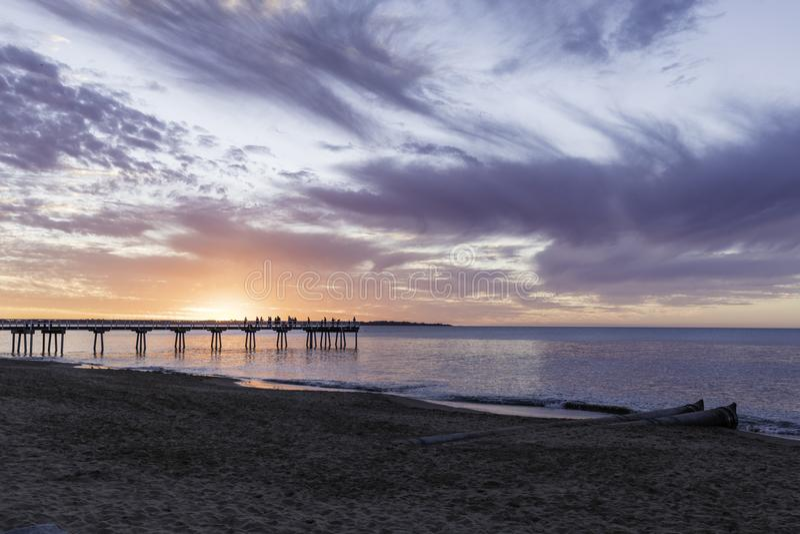 Por do sol do molhe de Torquay, Hervey Bay, QLD fotografia de stock royalty free