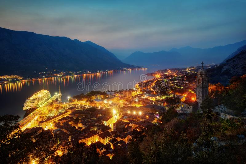 Por do sol Montenegro de Kotor fotos de stock royalty free
