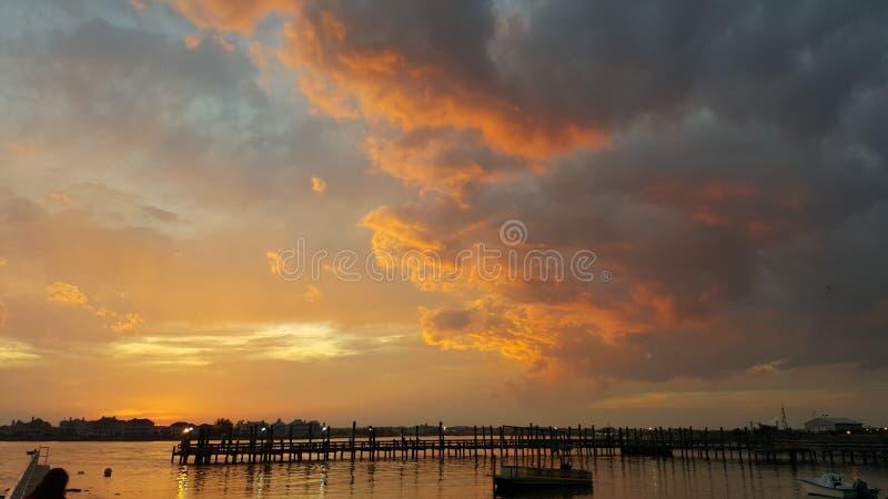Por do sol na baía fotografia de stock royalty free