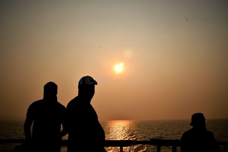 Por do sol na baía de Bengal imagens de stock royalty free