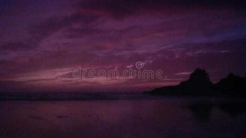 Por do sol na baía de Cox, Tofino, Ingleses Colômbia fotos de stock