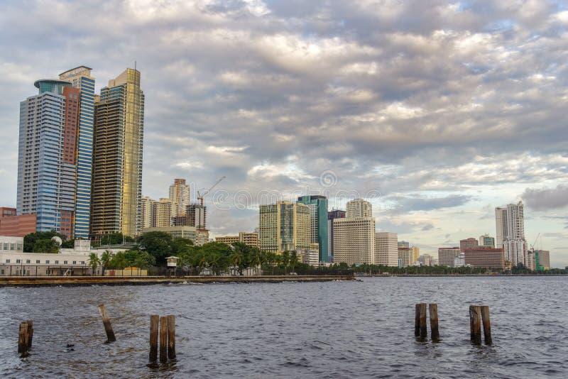 Por do sol na baía de Manila imagem de stock royalty free