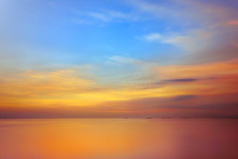 Por do sol na baía de Manila, Filipinas fotografia de stock royalty free