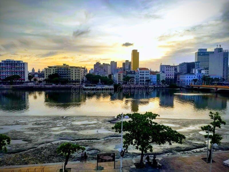 Por do sol na cidade de Recife imagens de stock royalty free