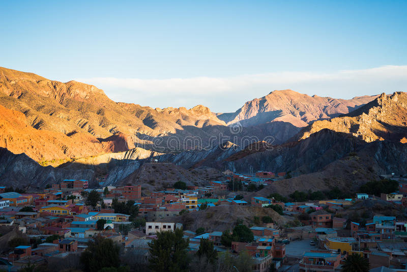 Por do sol na cordilheira vermelha de Tupiza, Bolívia do sul fotografia de stock