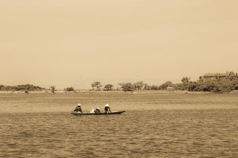 Por do sol na lagoa fotografia de stock royalty free