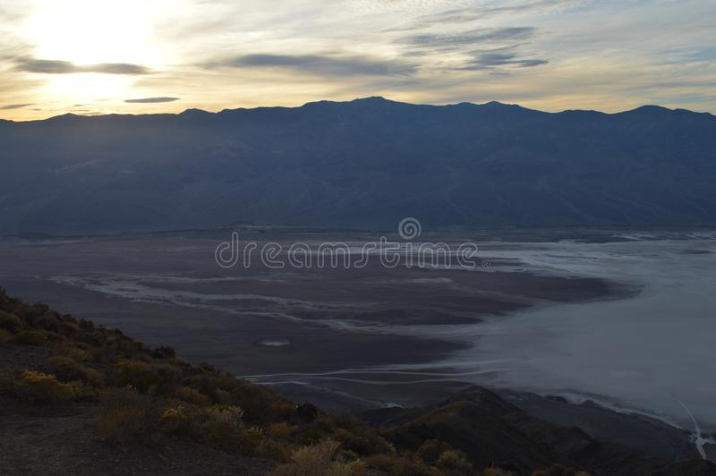 Por do sol na opinião o Vale da Morte Califórnia do ` s de Dante imagens de stock royalty free