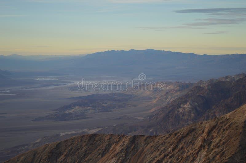 Por do sol na opinião do ` s de Dante no Vale da Morte Califórnia fotos de stock royalty free