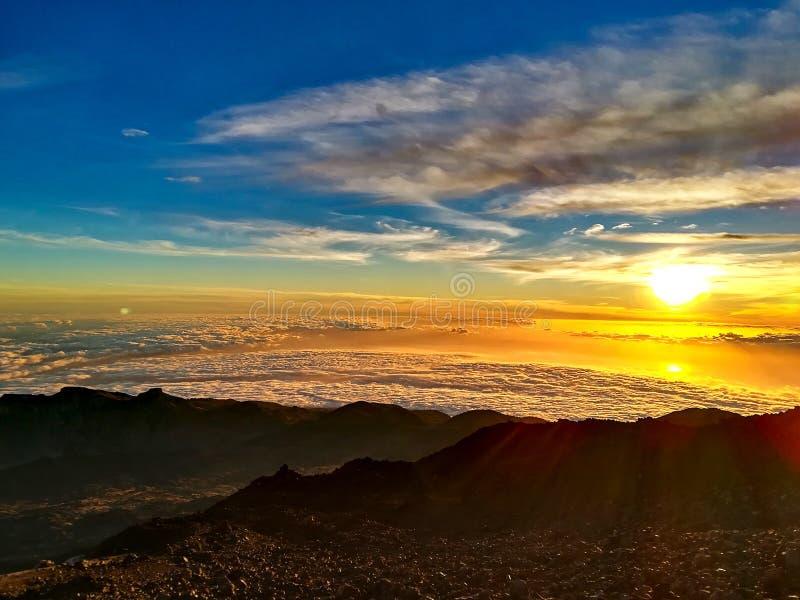 Por do sol na parte superior de Pico del Teide imagens de stock