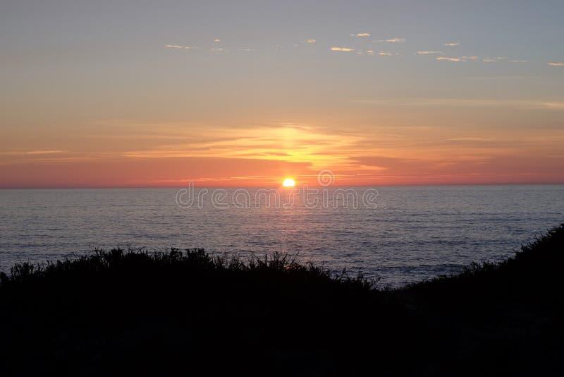 Por do sol na praia de Miramar Granja, Portugal foto de stock