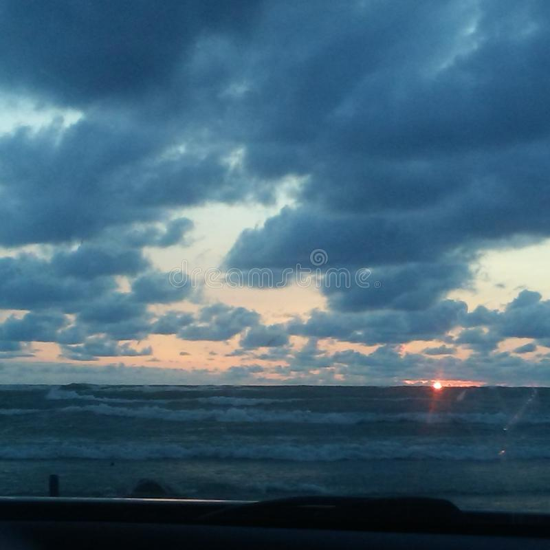 Por do sol na praia de Sauble imagem de stock