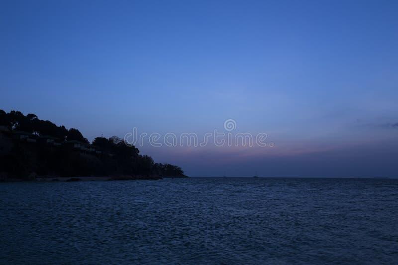 Por do sol na praia do por do sol na ilha de Lipe imagem de stock