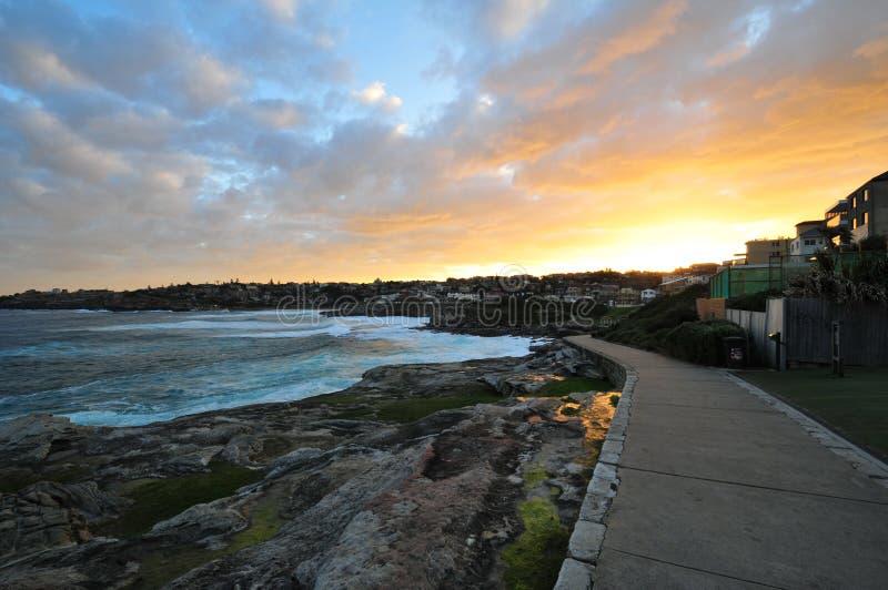 Por do sol na vila pequena, Sydney fotografia de stock