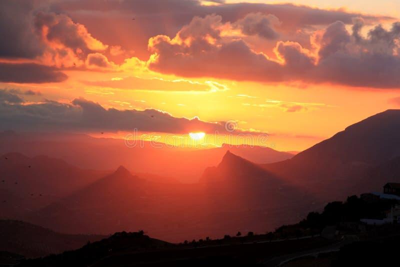 Por do sol nas montanhas espanholas, a Andaluzia fotografia de stock