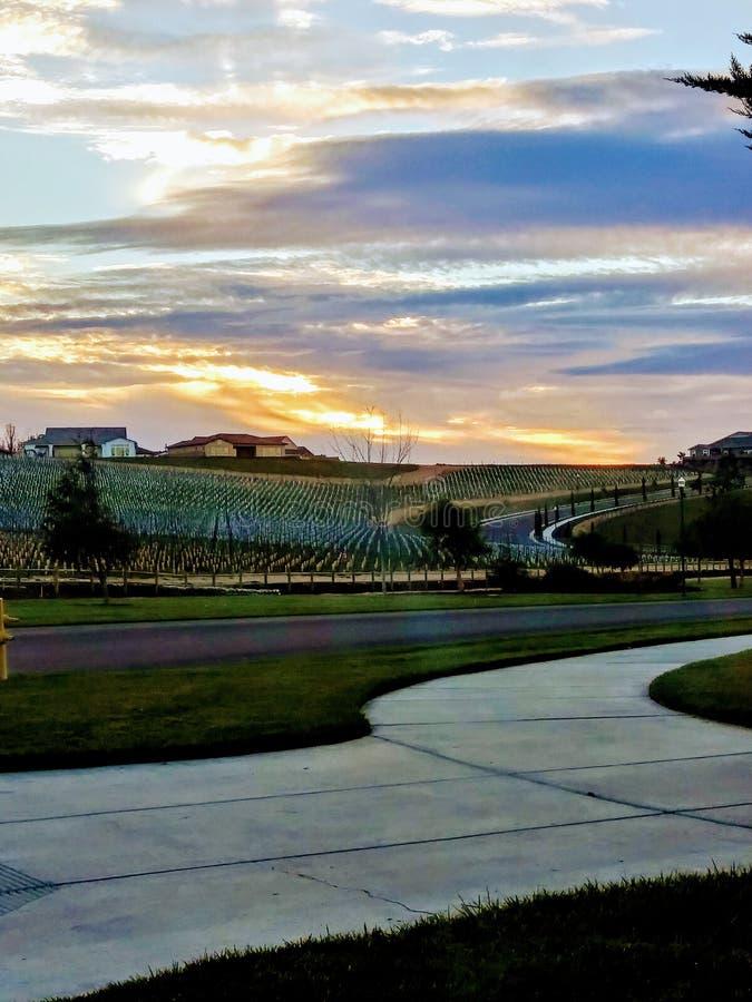 Por do sol nebuloso de Califórnia imagem de stock royalty free