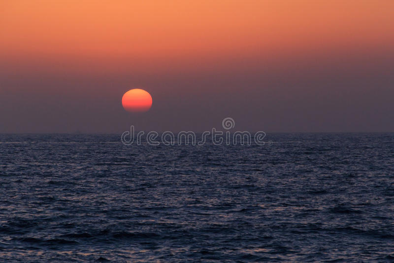 Por do sol no golfo árabe imagem de stock royalty free