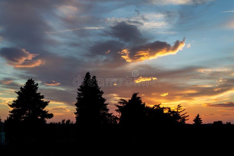 Por do sol no jardim de Sabatini imagem de stock