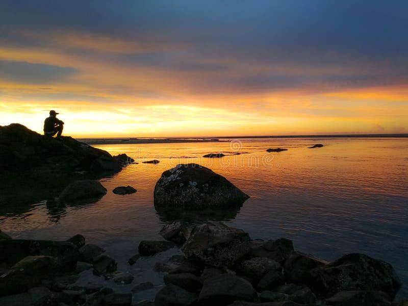 Por do sol no kudat norte sabah de Bornéu foto de stock