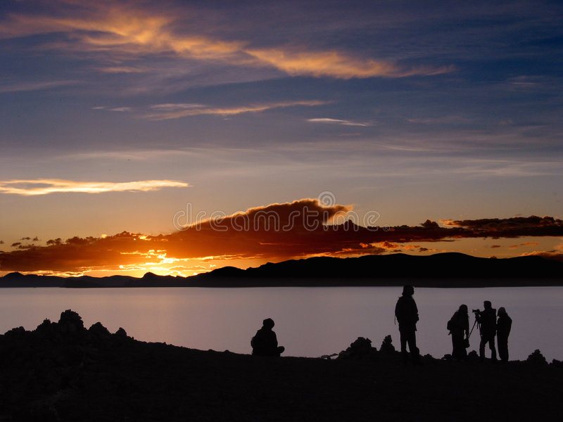 Por do sol no lago Namsto, Tibet imagens de stock royalty free