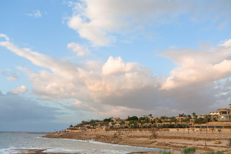 Por do sol no mar inoperante 2, Jordão imagem de stock