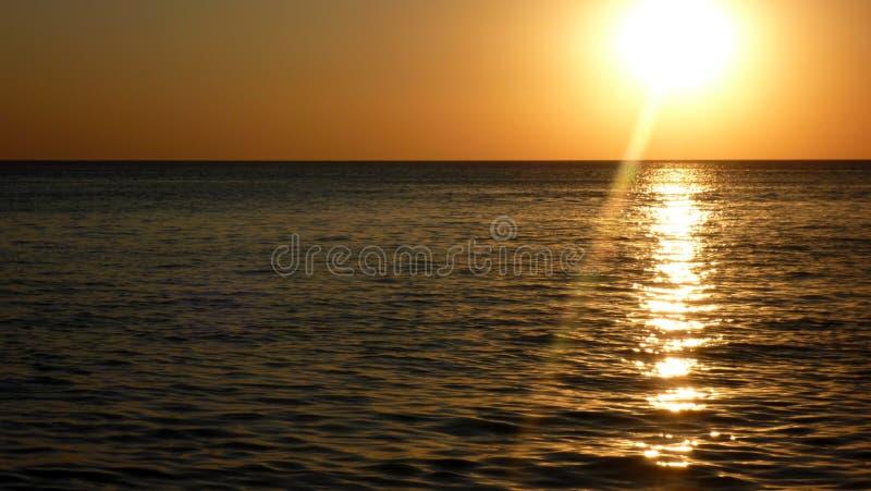 Por do sol no Mar Negro foto de stock
