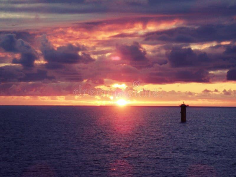 Por do sol no Mar do Norte fotografia de stock royalty free