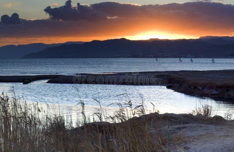 Por do sol no Mar Vermelho, Eilat, Israel fotografia de stock